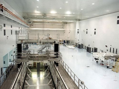 stonlux epoxy flooring in space center facility